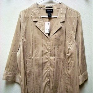 NWT AVENUE STRETCH OPEN CHEST BUTTON DOWN BLOUSE